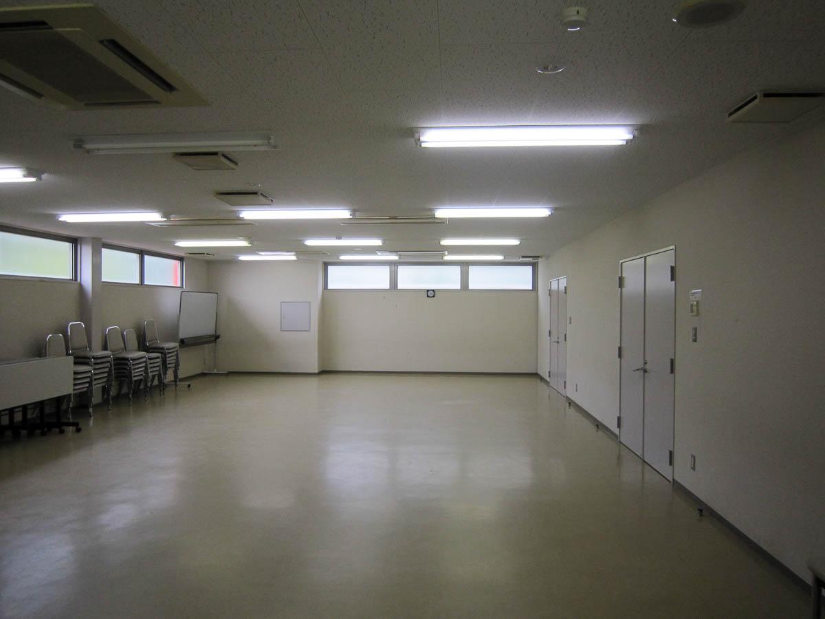 管理棟別館 中会議室