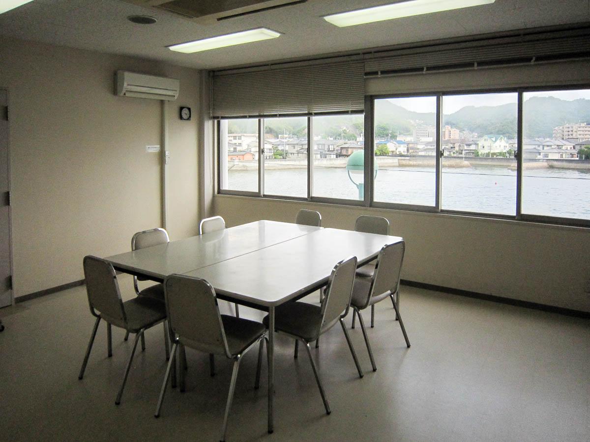 管理棟別館 小会議室1